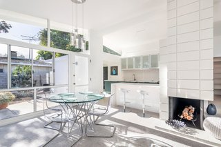 Top 5 Homes of the Week That Are Mad For Midcentury Design - Photo 5 of 5 -