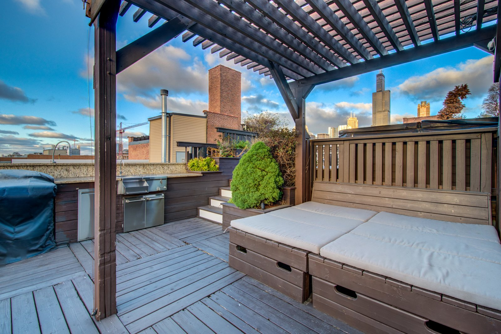 Outdoor and Rooftop  Penthouse That Starred on NBC's 'Chicago Fire' Asks $1.775M