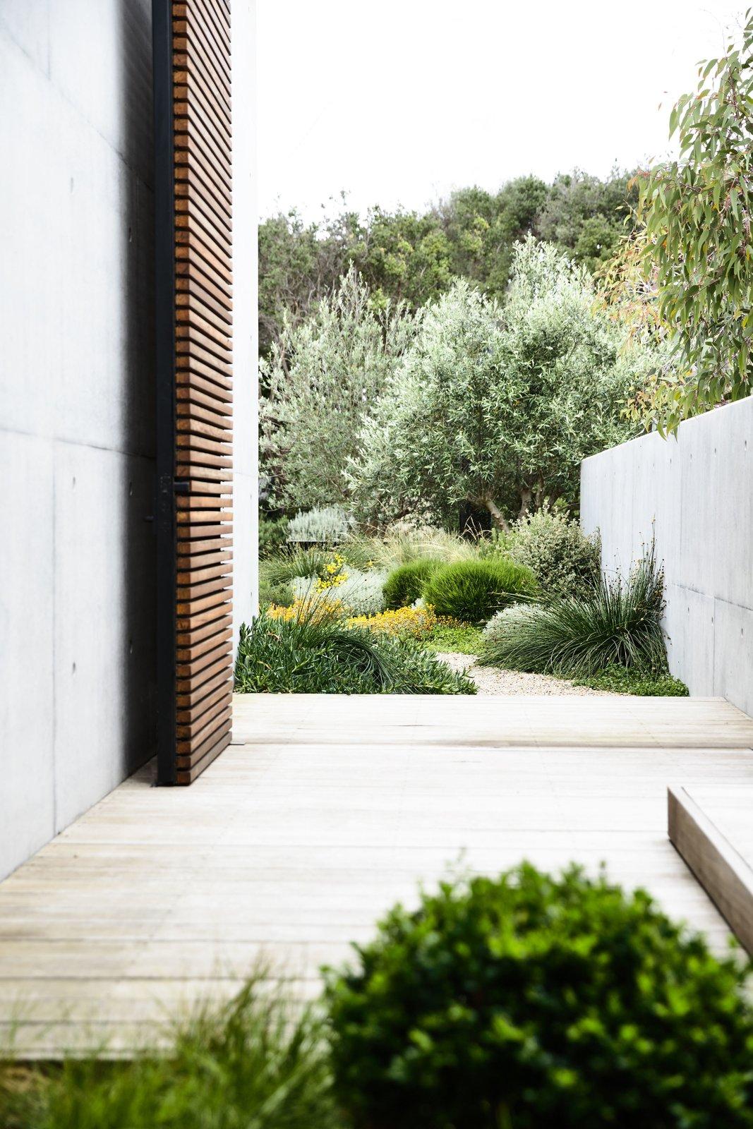 House Building Type, Concrete Siding Material, Wood Siding Material, and Beach House Building Type  DS House, Blairgowrie
