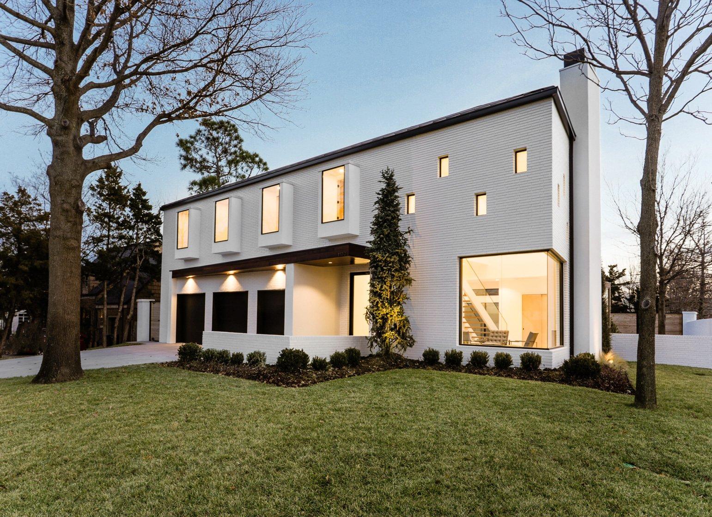 Exterior, House, Brick, Stucco, and Metal  Exterior Stucco Brick Photos from OKC Modern