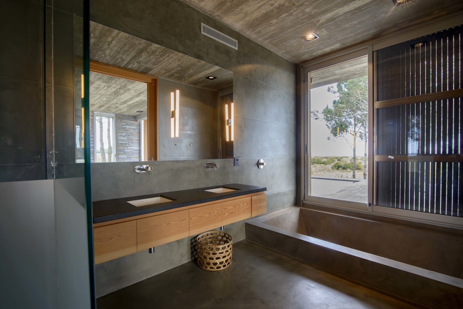 Bath Room, Stone Tile Wall, Marble Counter, Drop In Sink, Drop In Tub, Granite Counter, Ceiling Lighting, and Wood Counter  Rückenwind