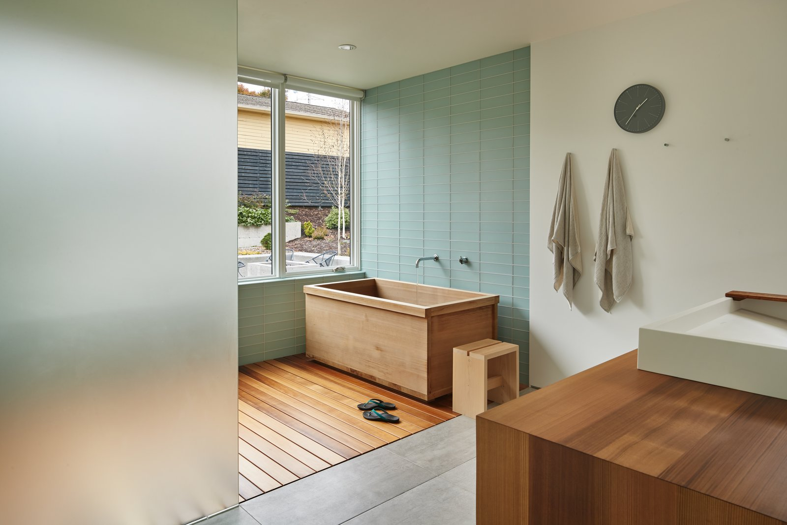 Artist Residence by Heliotrope Architects bathroom