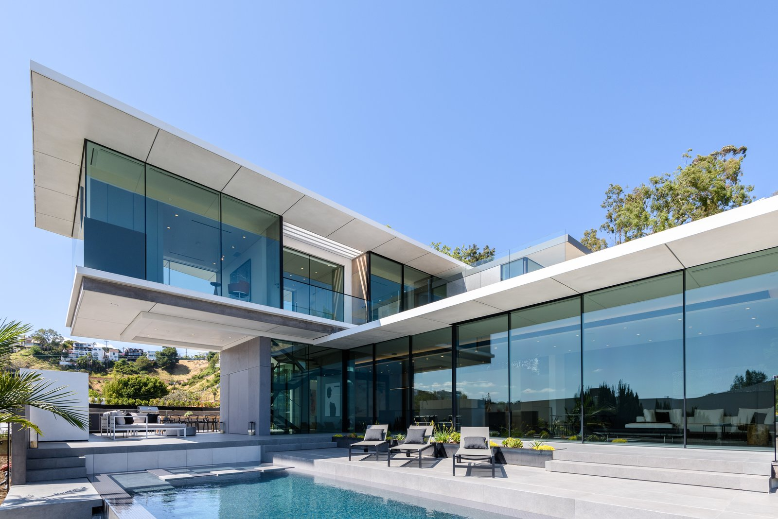 Mid-Century Architectural Masterpiece Hits the Market