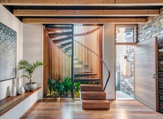 Top 5 Homes of the Week With Standout Staircases