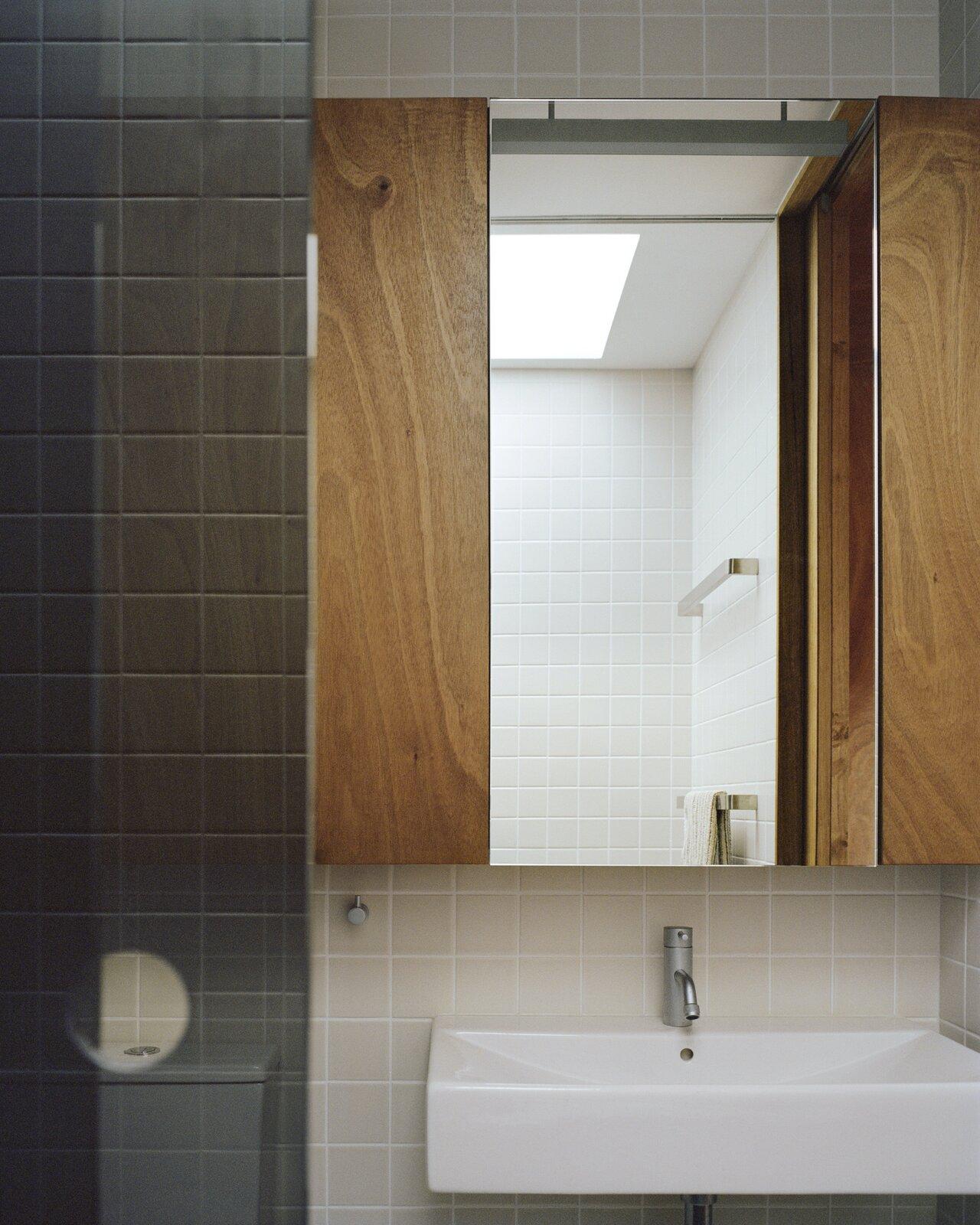Bathroom of Terrace House 1 by Dreamer