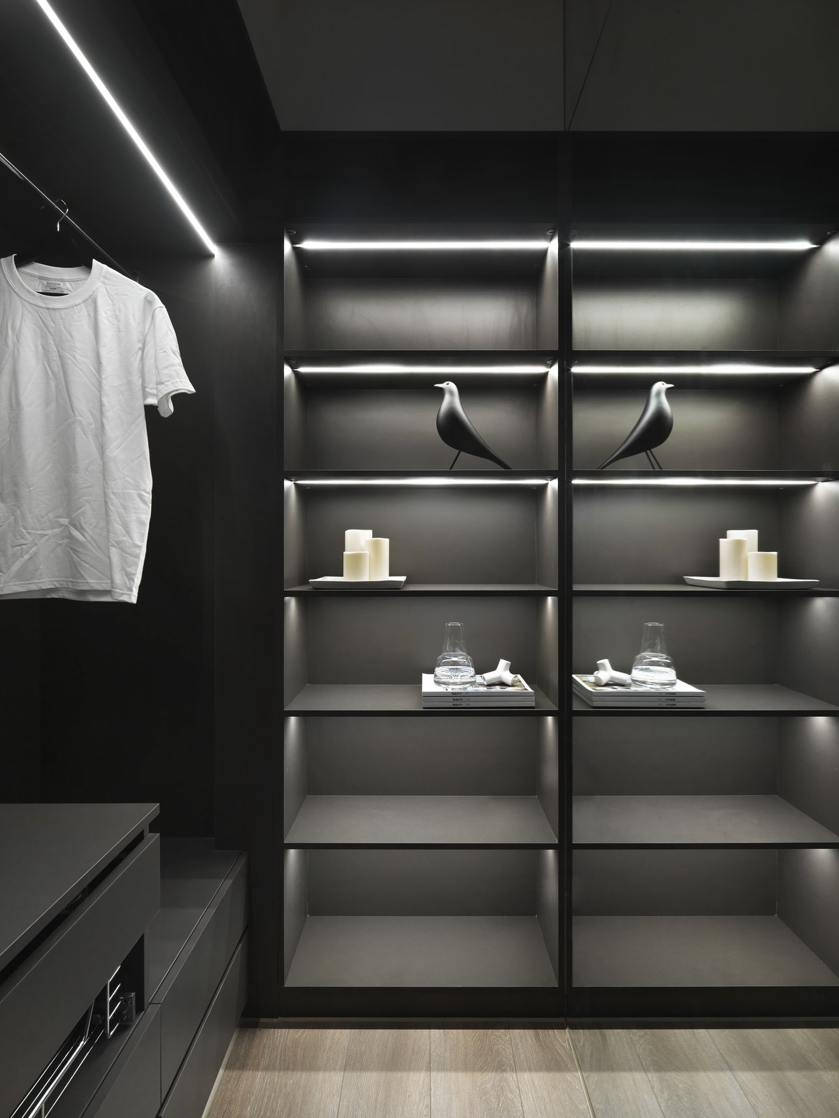带储藏室和壁橱储藏类型的现代住宅。 日常生活的隐形秩序照片21