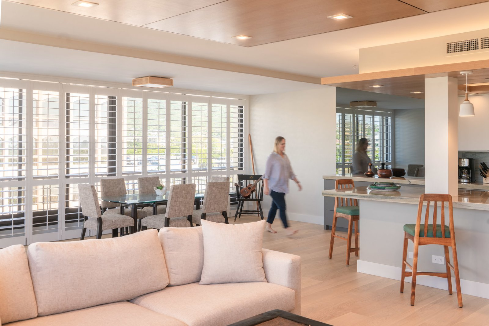 Living Room, Ceiling Lighting, Light Hardwood Floor, Recessed Lighting, Accent Lighting, and Bar  Scott Residence by District Architecture + Design