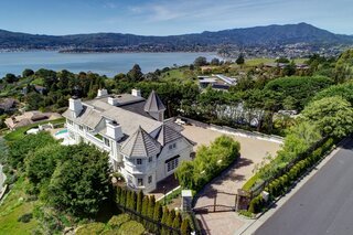 A Northern Californian Home With Postcard-Worthy Views Seeks $8M