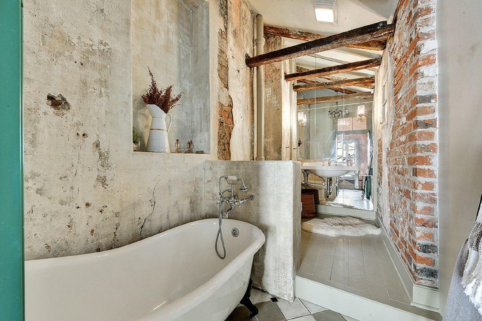 Bath Room  Antoine Bordeaux House