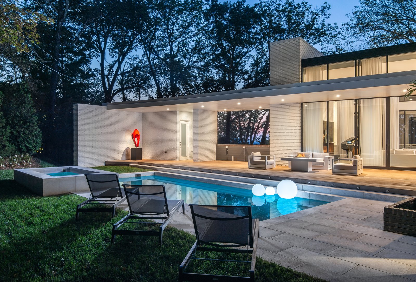 Outdoor, Back Yard, Large Patio, Porch, Deck, and Swimming Pools, Tubs, Shower  Modern View