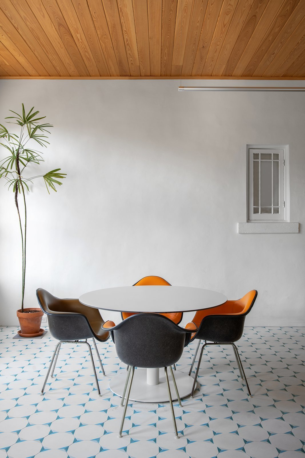 Dundee House dining area