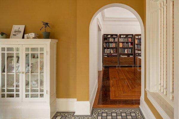 Best 60 Modern Living Room Porcelain Tile Floors Design Photos And Dwell
