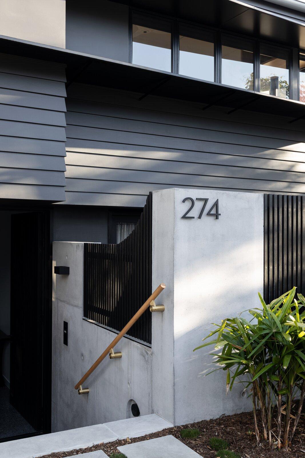 Danny's House Shaun Lockyer Architects entryway