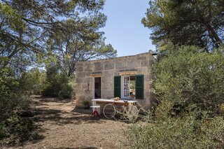 A Bare-Bones Hunting Shelter on Mallorca Becomes a Sunny Retreat