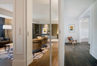 Broadway Apartment, From Bourgeois to Modern