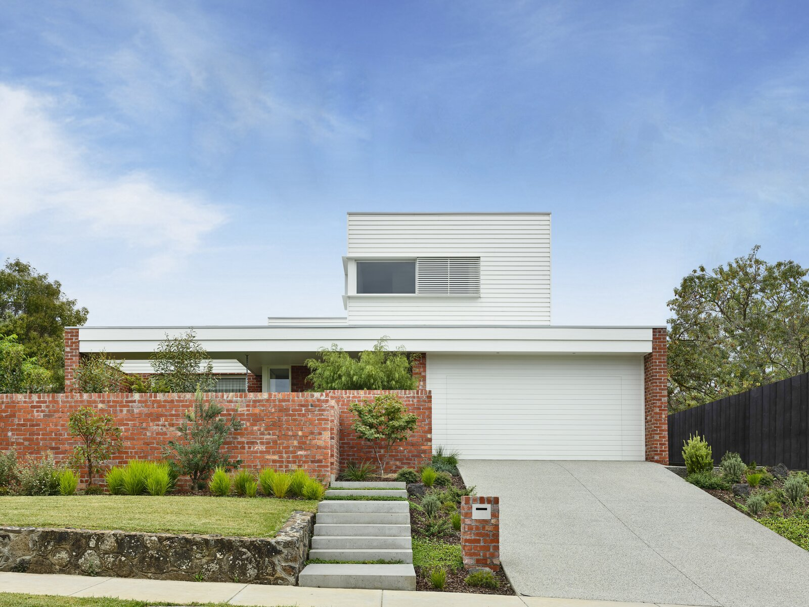 Photo 25 of 25 in This Melbourne Home Sits Pretty on a Slightly Sloped Site