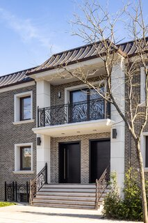 Luxury Residence in Middle Village, Queens