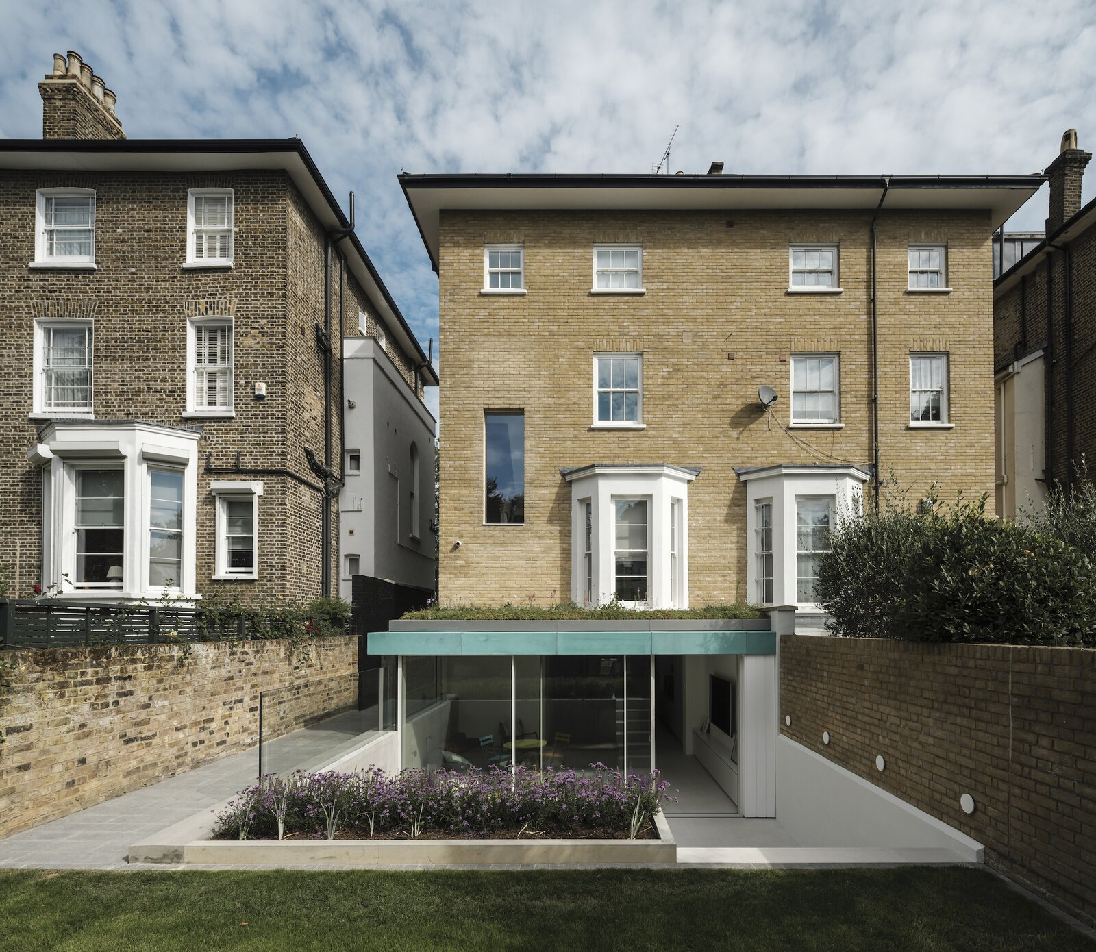 Exterior and House Building Type  Primrose Hill House