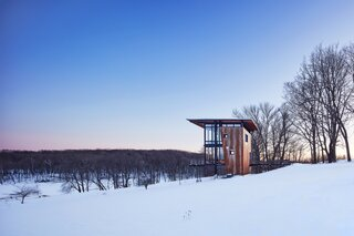 An Enchanting Cabin of Wood, Glass, and Steel Entices Visitors to Rural Wisconsin